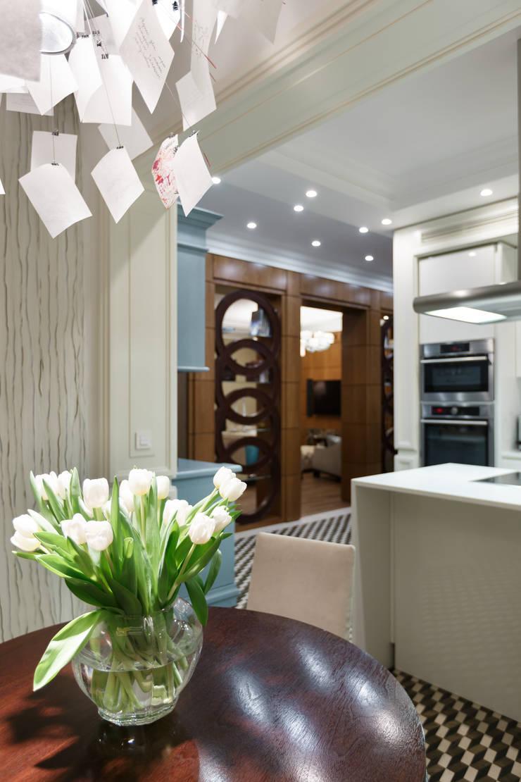 Квартира Ленсовета: Кухни в . Автор – Студия дизайна интерьера 'Юдин и Новиков'