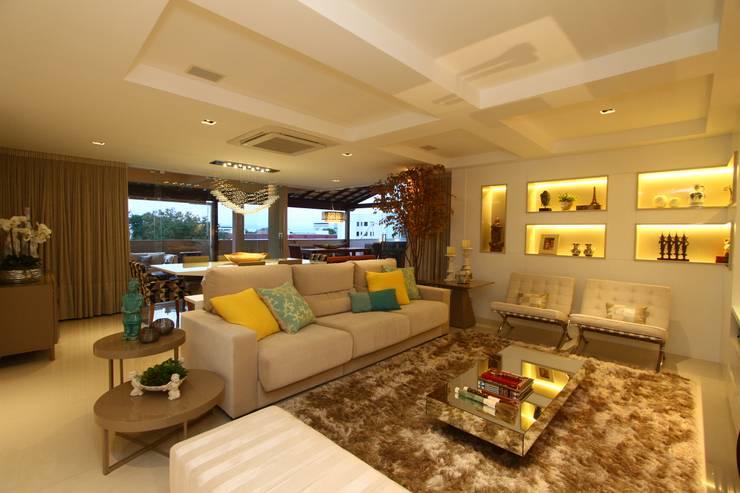Salas de estilo  por Oleari Arquitetura e Interiores