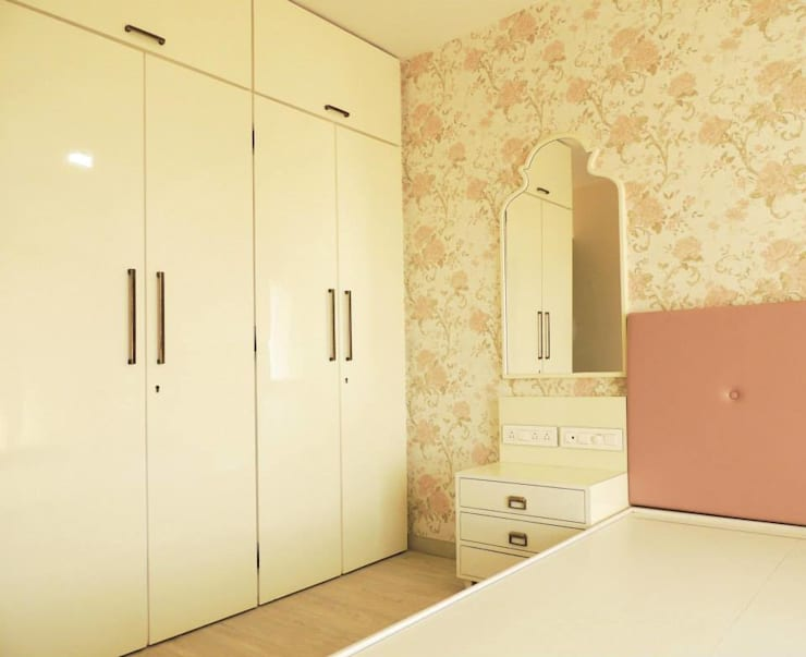 A project at Borivali:  Bedroom by SwitchOver Studio