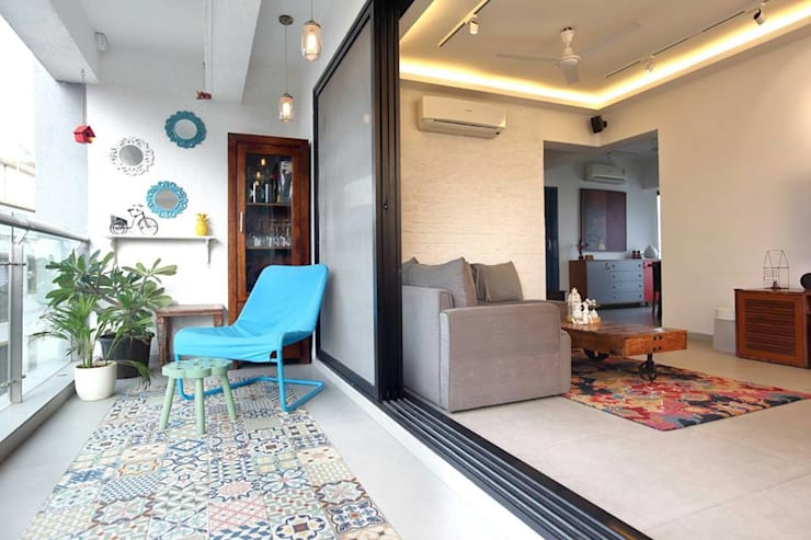 Kalina Residence:  Terrace by SwitchOver Studio