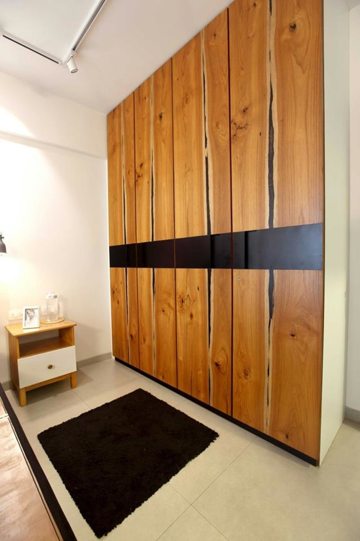 Kalina Residence:  Bedroom by SwitchOver Studio