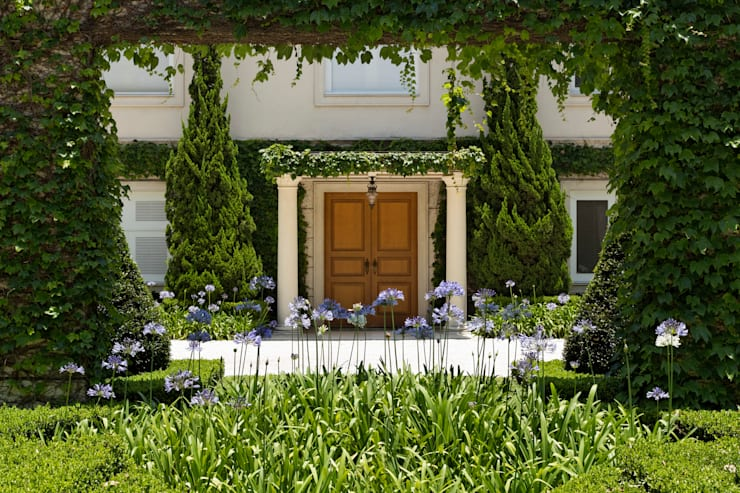 classic Garden by Luciana Moraes Paisagismo