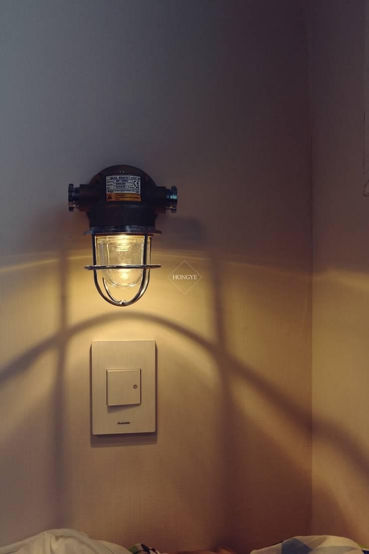 북유럽느낌 물씬 20평 빌라 인테리어: 홍예디자인의  아이 방