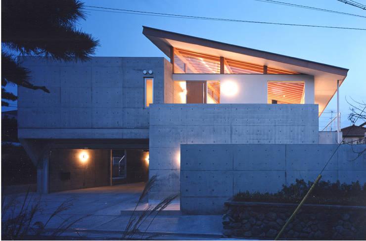 岩園の家Ⅱ: 株式会社  小林恒建築研究所が手掛けた家です。