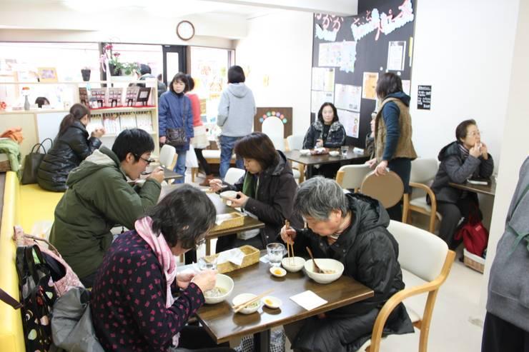 1Fカフェ: 一級建築士事務所 街角企画株式会社が手掛けたです。