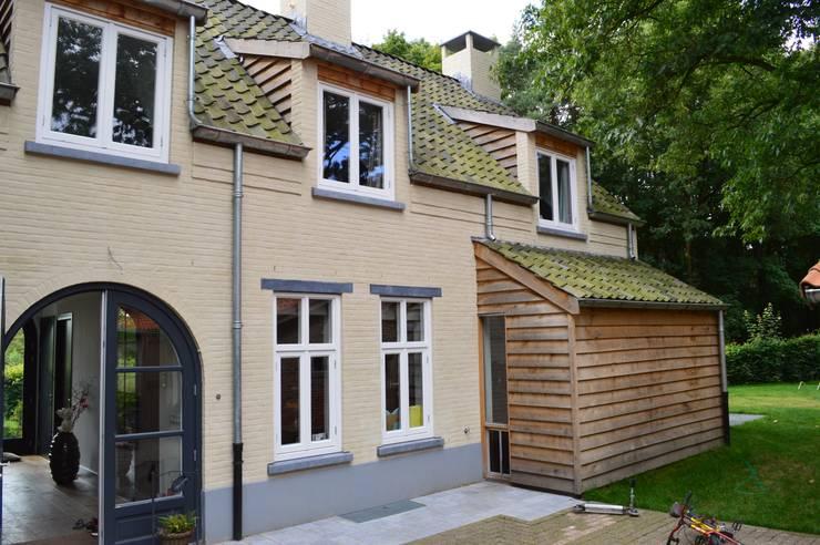 Villa Galder:  Huizen door STROOM architecten, Landelijk