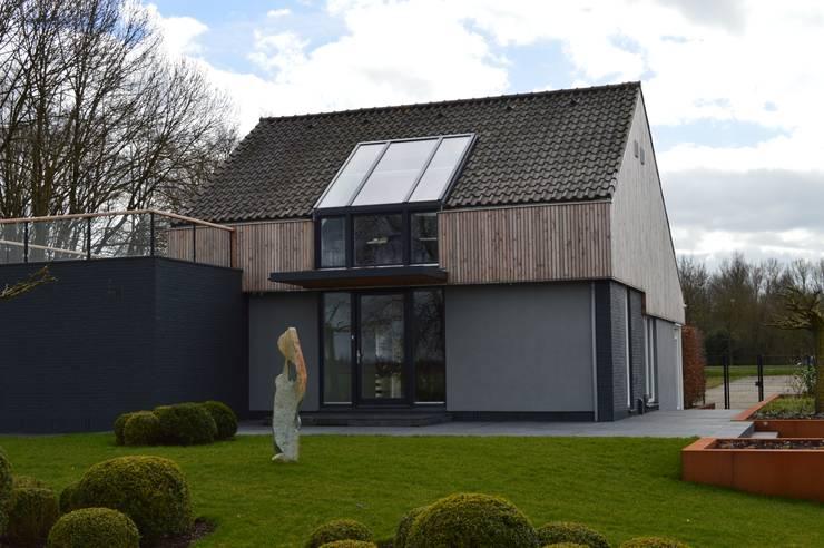 Woning + kantoor Utrecht:  Tuin door STROOM architecten