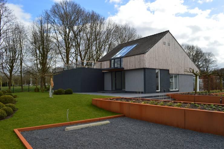 Woning + kantoor Utrecht: moderne Huizen door STROOM architecten