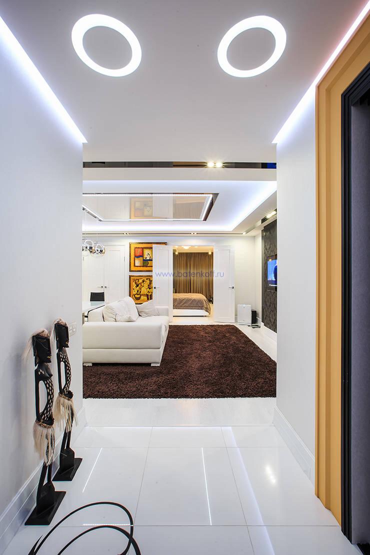 Фото прихожей в квартире по дизайн проекту от Батенькофф: Коридор и прихожая в . Автор – Дизайн студия 'Дизайнер интерьера № 1',
