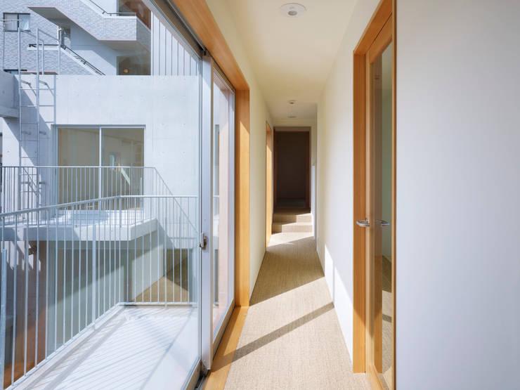 TRM: 小松設計が手掛けた廊下 & 玄関です。,