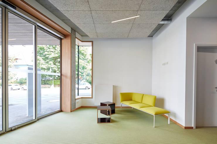 Empfangsbereich:  Bürogebäude von DOMANI INTERIOR