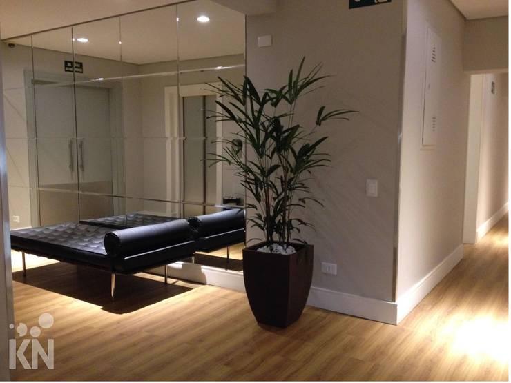 Hall: Hotéis  por KN Arquitetura