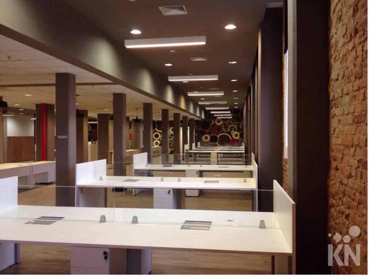 Escritório: Escritórios  por KN Arquitetura,Moderno