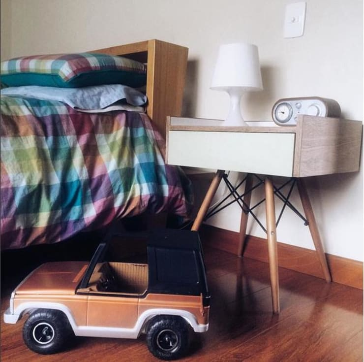 MOBILIARIO DERIVADO PARA UNA OFICINA: Habitaciones infantiles de estilo  por Yemail Arquitectura