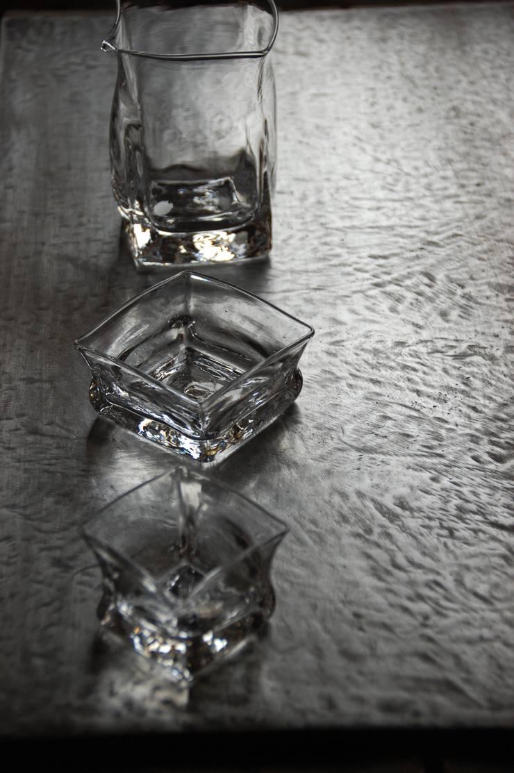 作品: 8823/glass workが手掛けたダイニングルームです。,