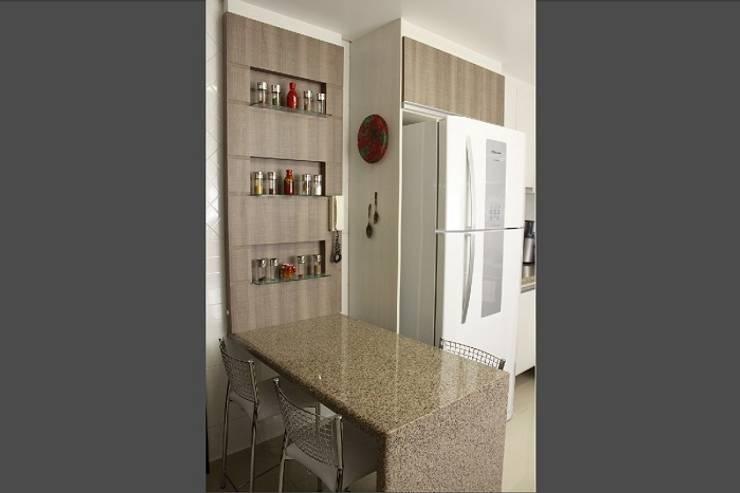 Residência RD: Cozinhas  por INOVAT Arquitetura e interiores