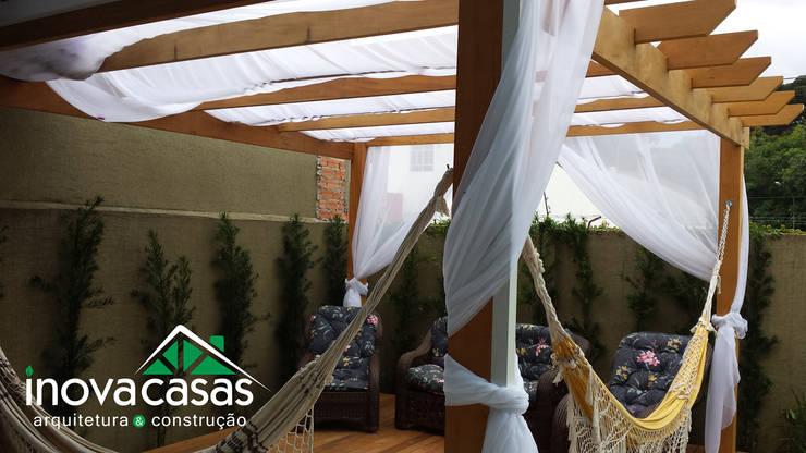 Deck e Pérgola Personalizada.: Casas modernas por Inova Casas - Arquitetura e Construção