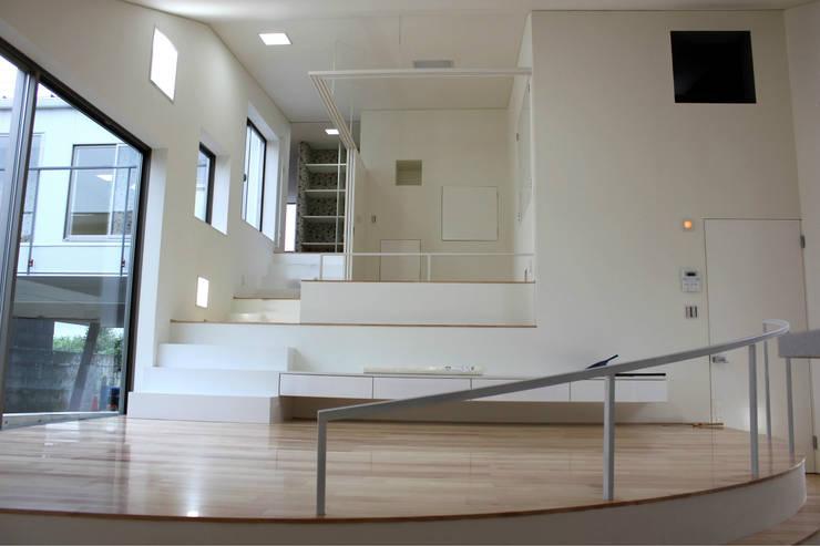 Living room by インデコード design office, Modern Paper