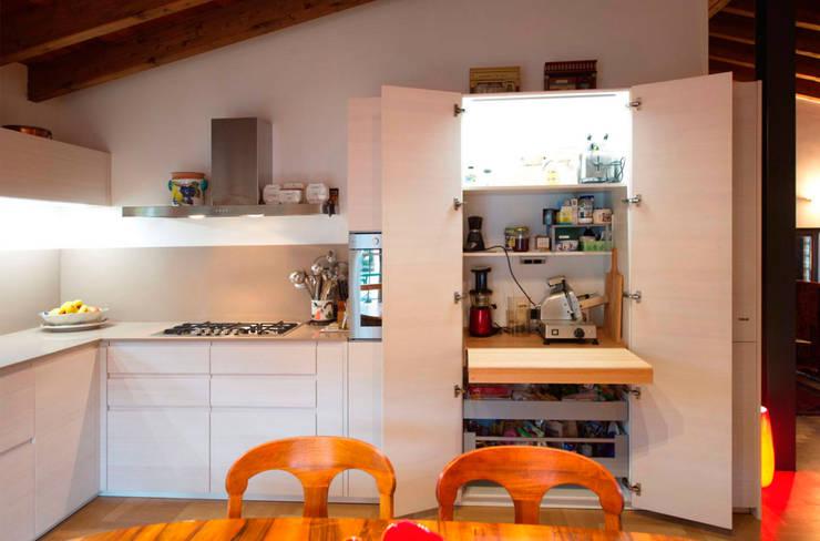 Progetto cucina: Cucina in stile  di STEFANIA ARREDA