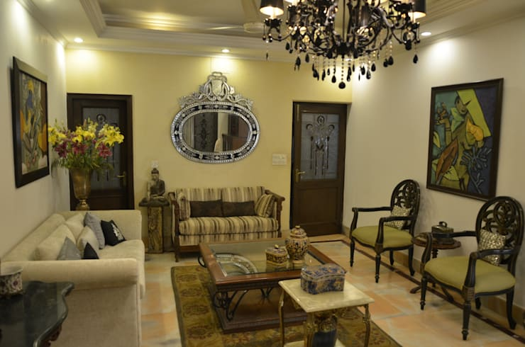 private residence: classic Living room by VISIONS