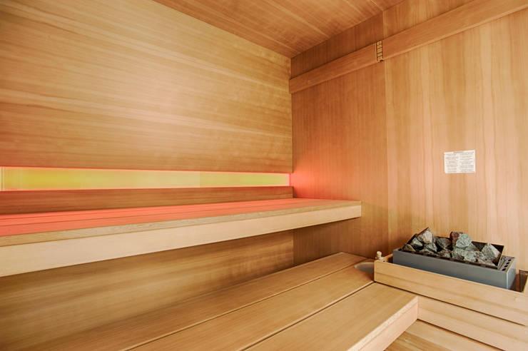 Moradia | Estoril: Spa  por JRBOTAS Design & Home Concept