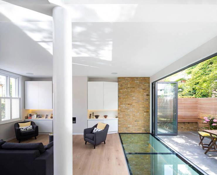 Brackenbury House: modern Living room by Neil Dusheiko Architects