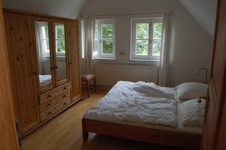 Schlafzimmer vorher:   von Immotionelles