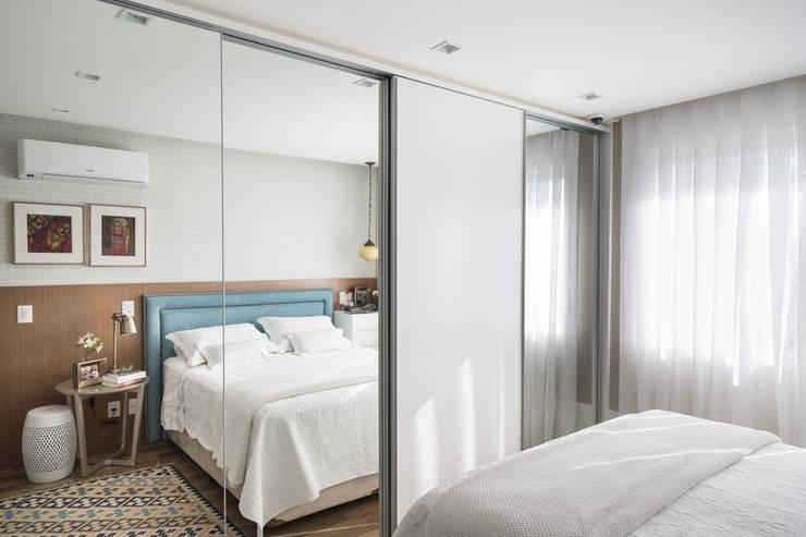 Dressing room by Pura!Arquitetura