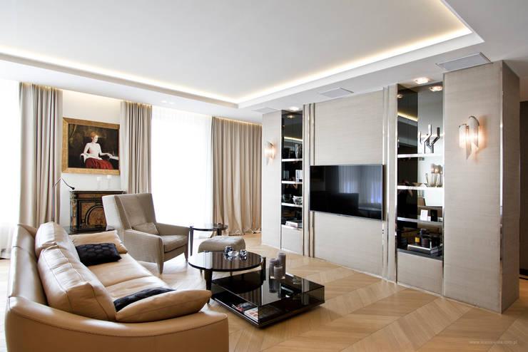 Projekt Apartamentu: styl , w kategorii Salon zaprojektowany przez Katarzyna Kraszewska Architektura Wnętrz