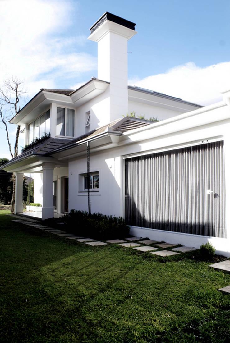 Projeto Arq. Joana Müller Braescher: Casas modernas por BRAESCHER FOTOGRAFIA
