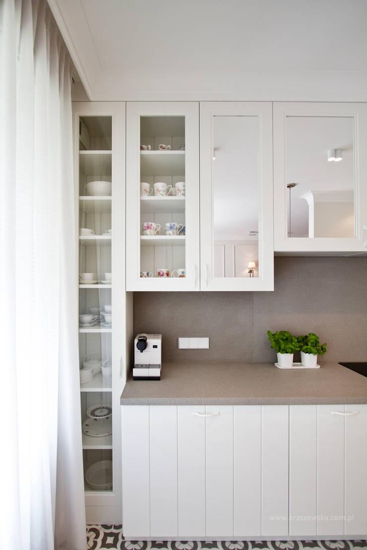 Mieszkanie Wilanów: styl , w kategorii Kuchnia zaprojektowany przez Katarzyna Kraszewska Architektura Wnętrz,Klasyczny