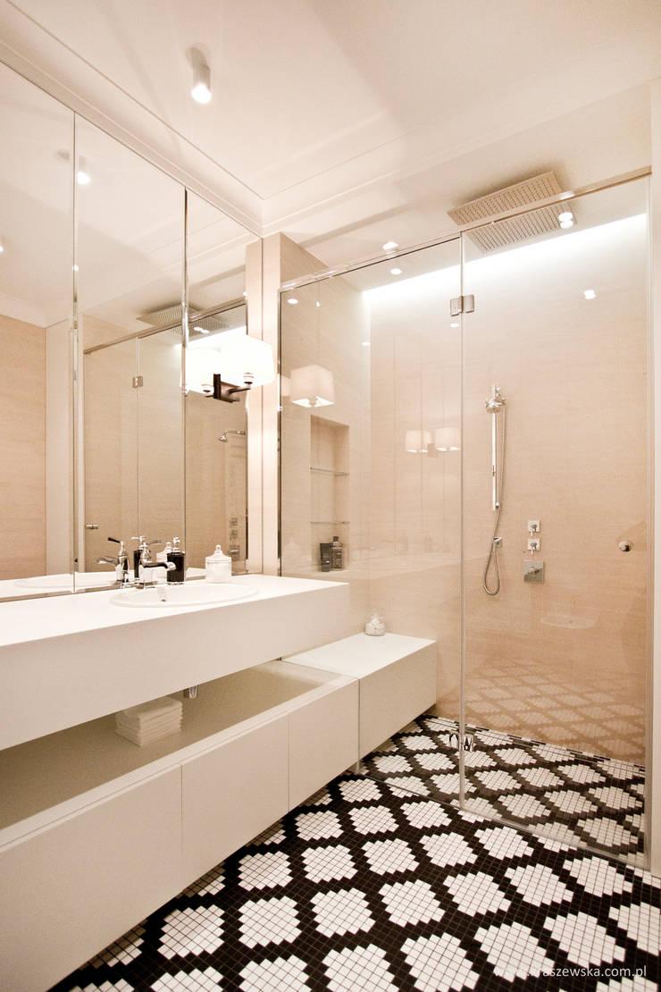 Mieszkanie Wilanów: styl , w kategorii Łazienka zaprojektowany przez Katarzyna Kraszewska Architektura Wnętrz,Klasyczny