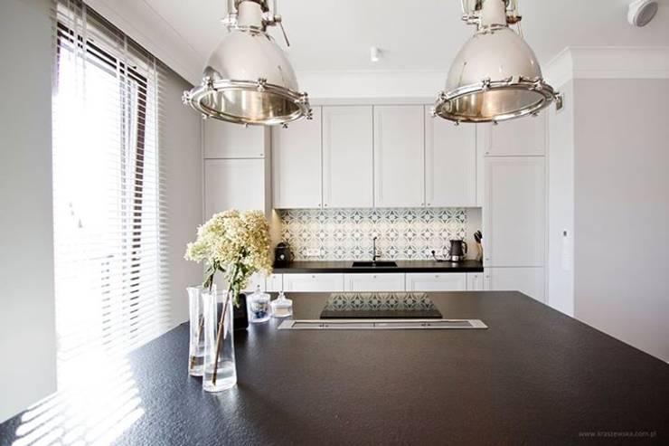 Projekt Wnętrza mieszkania 140 m kw: styl , w kategorii Kuchnia zaprojektowany przez Katarzyna Kraszewska Architektura Wnętrz,Klasyczny