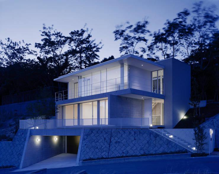 苦楽園二番町の家Ⅰ: 株式会社  小林恒建築研究所が手掛けた家です。,