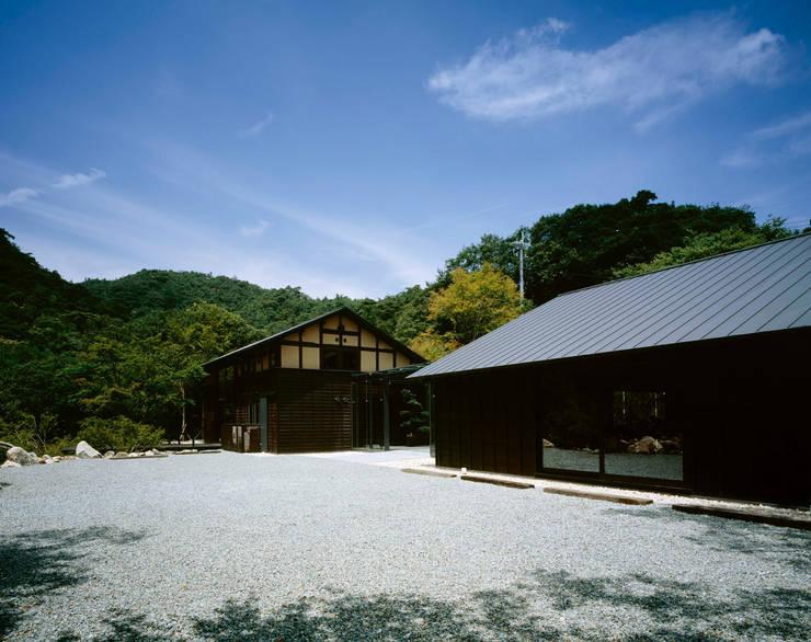芦屋川むら玄: 株式会社  小林恒建築研究所が手掛けた家です。