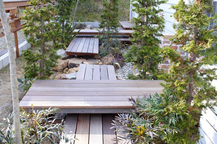 段・段・団らんな庭 - 写真04: 平山庭店が手掛けた庭です。