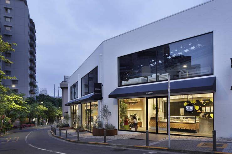 TENOHA daikanyama PALETAS + SI・EMPRE cafe : IN CO.,LTDが手掛けたレストランです。,