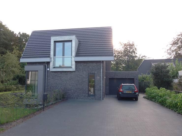 Projekty,  Domy zaprojektowane przez ir. G. van der Veen Architect BNA