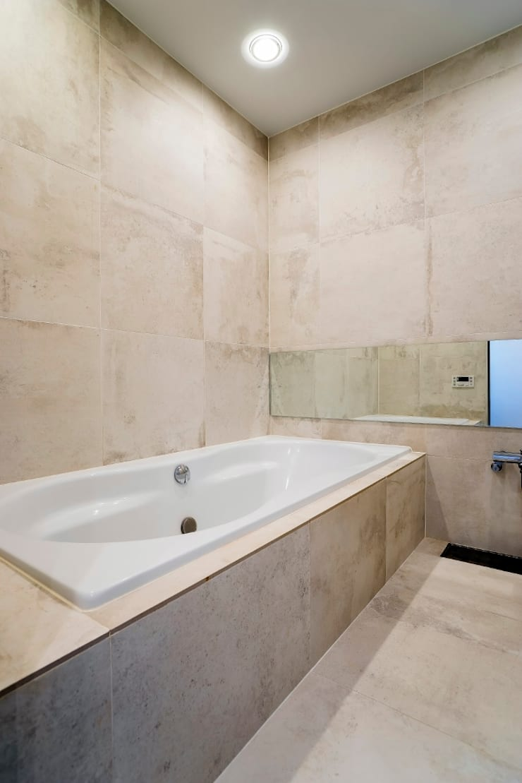 バスルーム: QUALIAが手掛けた浴室です。