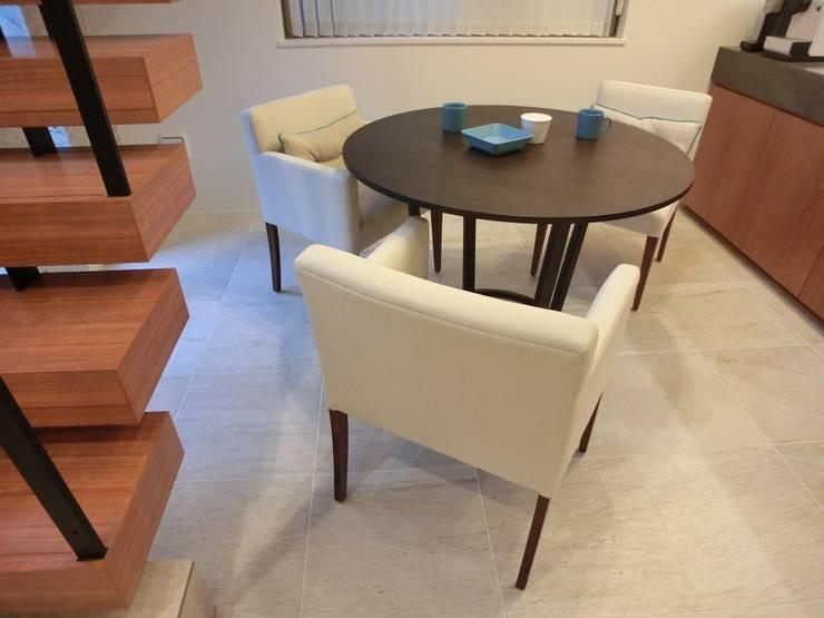 Marilyn Arm chair +chair: (株)工房スタンリーズが手掛けた多目的室です。,