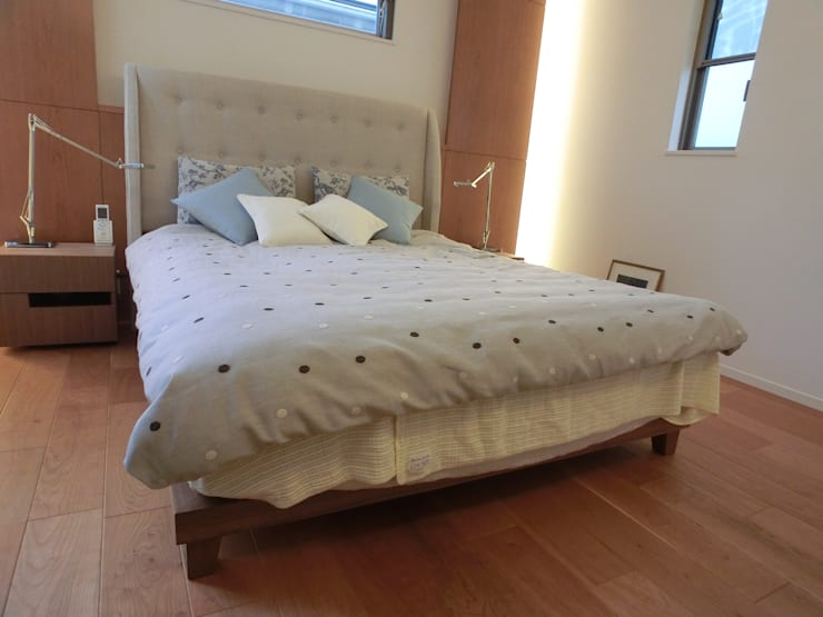 Doble -size Bed: (株)工房スタンリーズが手掛けた寝室です。,