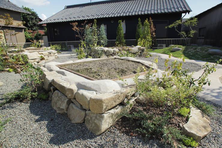 畑ノ庭 - 写真04: 平山庭店が手掛けた庭です。