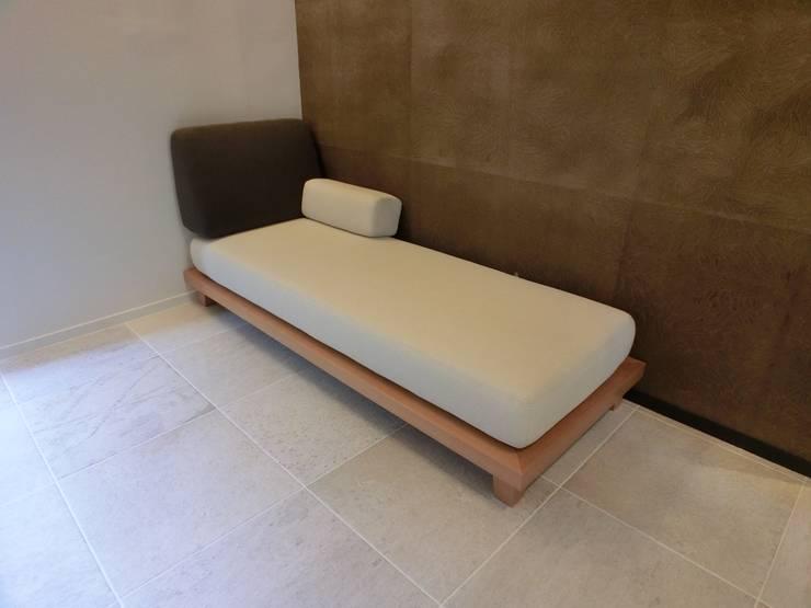 Full-ordered Day Bed: (株)工房スタンリーズが手掛けた多目的室です。
