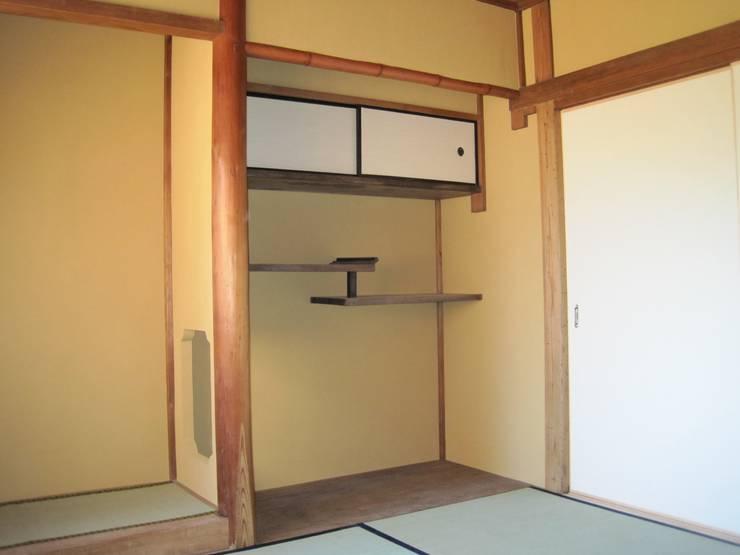 和室: 有限会社種村建具木工所が手掛けた窓です。