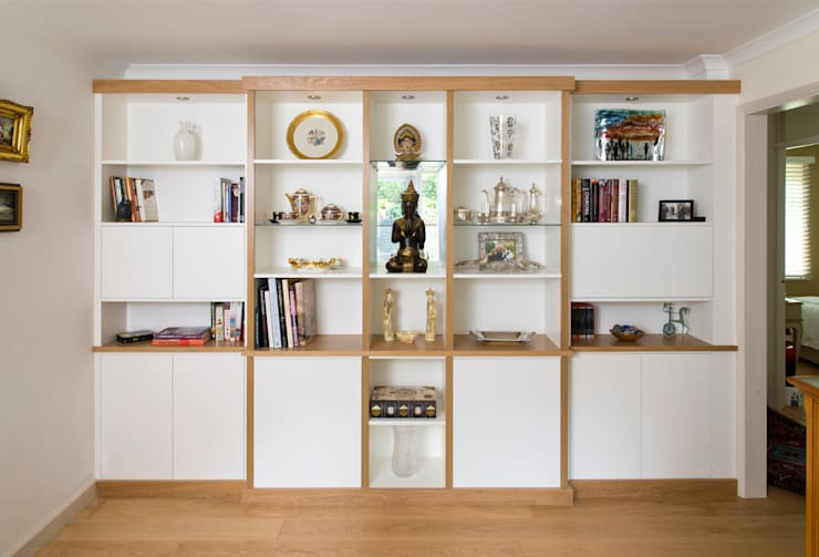 Break Front Cupboards & Shelving - Without lighting switched on:  Living room by Martin Greshoff Furniture