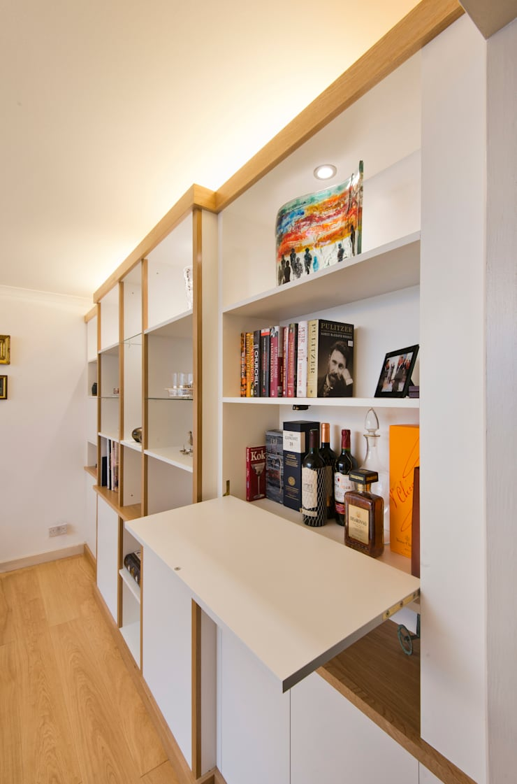 Break Front Cupboards & Shelving - Detail:  Living room by Martin Greshoff Furniture