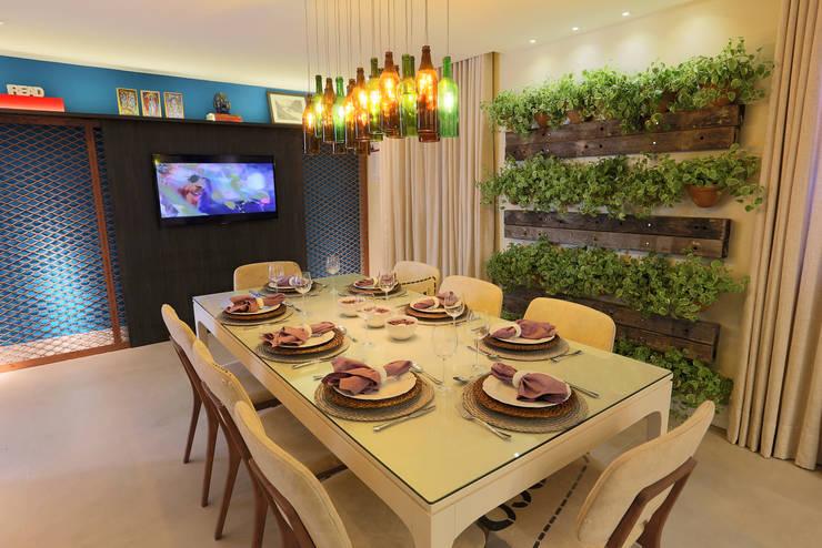 Cozinha e Jantar do Chef - Mostra Morar Mais Vitoria 2014: Salas de jantar  por Lorrayne Zucolotto Arquitetura
