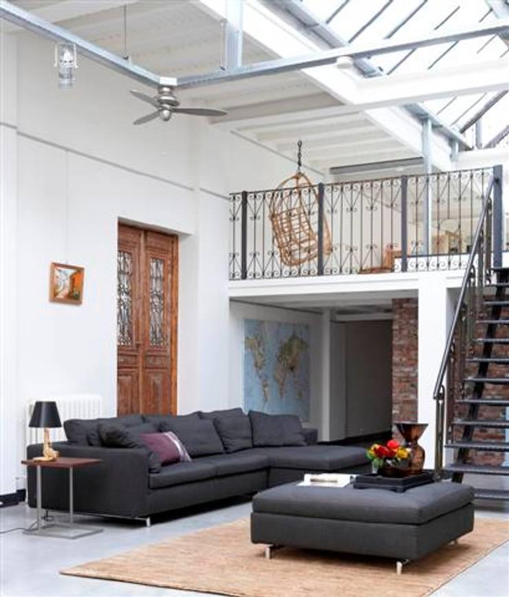 DANCA  – CHARM : minimal tarz tarz Oturma Odası