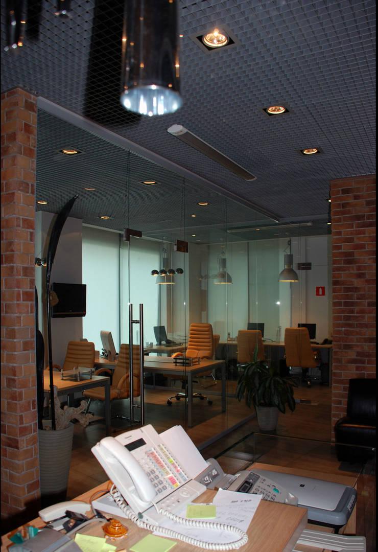 Офис на Кутузовском: Офисные помещения в . Автор – Дизайн-студия «ARTof3L»,