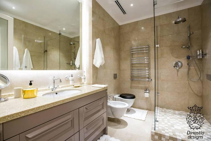 Near The Sea Apartments : Ванные комнаты в . Автор – Dinastia Designs